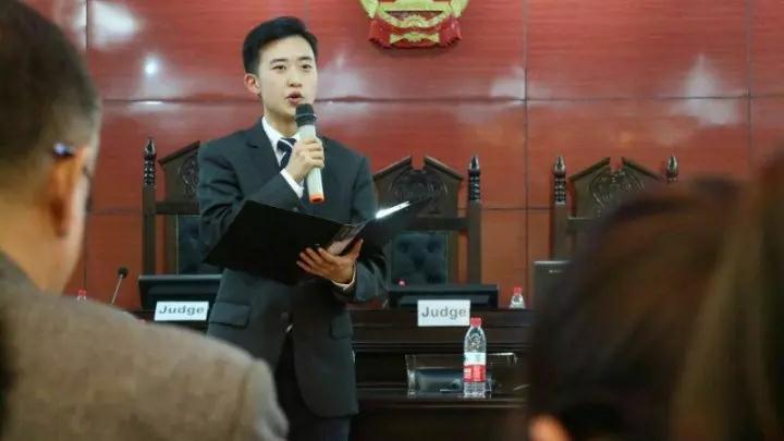 【高校喜信】威彩娱乐一中2016届结业生王嘉文得到东南政法大学英文模仿庭比赛冠军